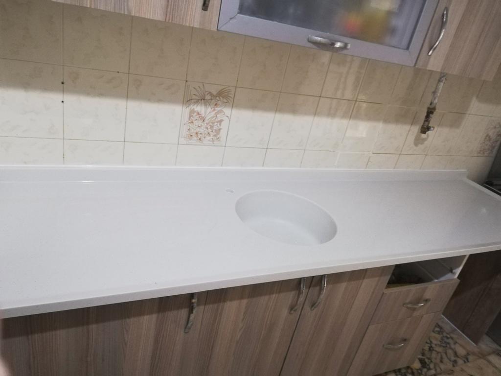 mermerit tezgah kendinden lavabolu uygulama örneği